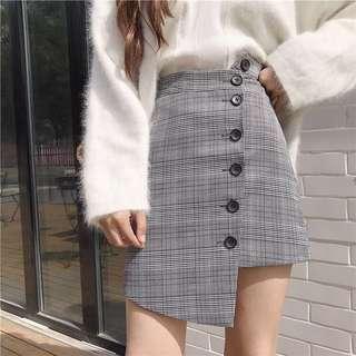 Asymmetrical button plaid A-line skirt