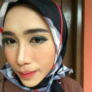 Make up wisuda, party, dll