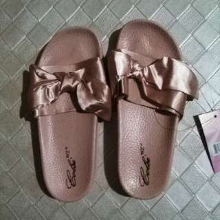 Fenty slipper