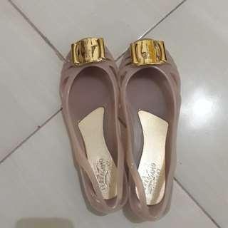 Jelly shoes salvataro feragamo light brown dustbag ready medan