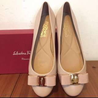 Salvatore ferragamo flat shoes (no shoes box)