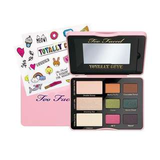 TOO FACED TOTALLY CUTE  (WITH STICKER)