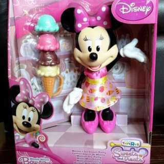GIFTABLE Brand New Minnie's Sweets & Treats Ice Cream Party