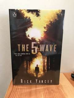 The Fifth Wave (first edition cover)