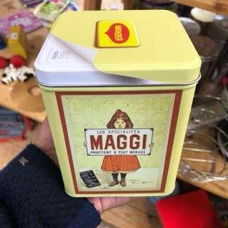 Kaleng Vintage Maggie