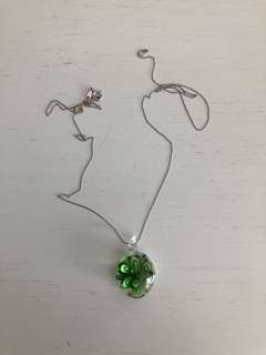 Green flower necklace glass