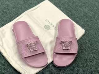🛑 #兩色齊Versace 簡單又帶點貴族風❤️😍靚價‼️‼️