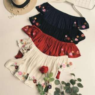 PO EMBROIDERED CREPE OFFSIE