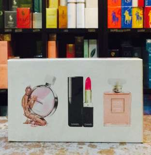 Mini chanel perfume set with lipstick