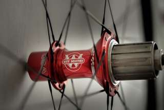 White Industries T11 Red Hub