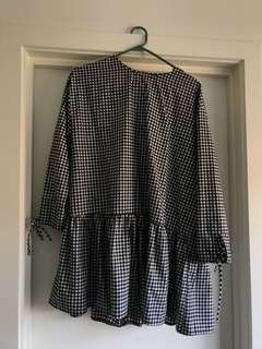 Gingham print smock style dress sz 10
