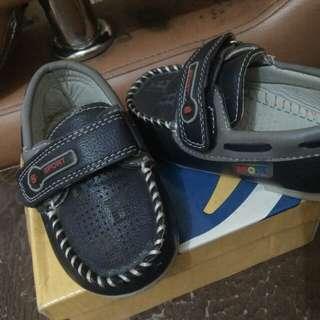 Sepatu Anak size 22