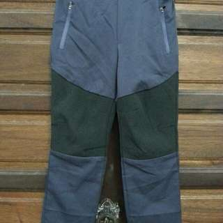HIKING PANTS FOR KIDS