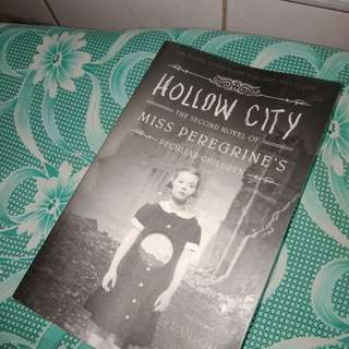 2nd Novel Hollow City of Miss Peregrine's Peculiar Children by Ransom Riggs