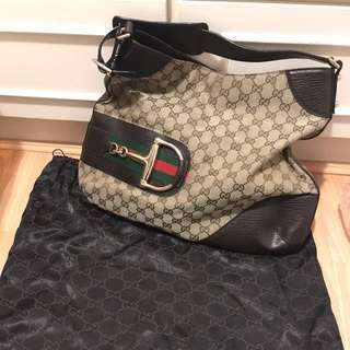 Gucci hobo bag 馬鞍袋 連原裝塵袋