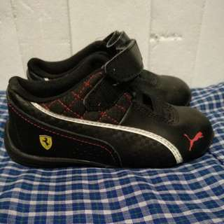 Puma Ferrari for kids Size 8 US