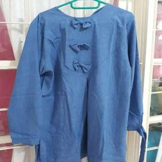 Longsleeve shirt. bahan katun. size fit to L. cuma pakai sekali. No defect.