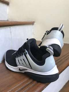 Nike Presto Black White size 8us