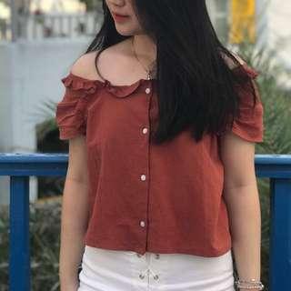 Sabrina top merah bata