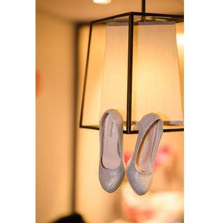 銀色閃亮鞋子