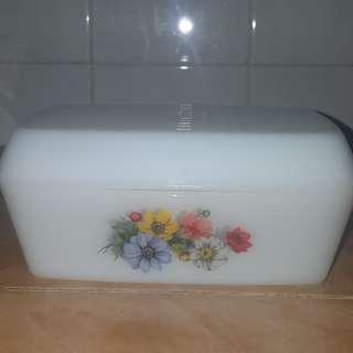Vintage Arcopal butter dish (1)