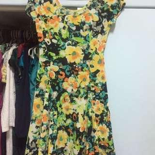 Floral spandex chic dress