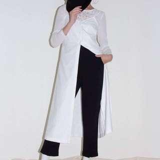 🚚 Marjorie條紋剪接小窄管褲S