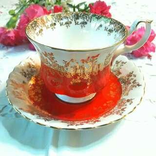 英國ROYAL ABLERT 皇家亞伯特頂級REGAL SERIES係列紅色杯盤組