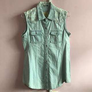 Urban Fit Jeans Shirt