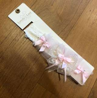 Lovely lace baby headband