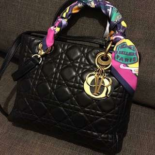 LADY DIOR black Leather Medium Size Bag 最受歡迎五格中size