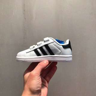 Adidas小童鞋