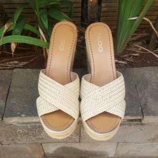 Preloved Wedges high heels ALDO