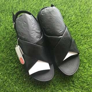 BN Fit flop lulu cross back strap sandals
