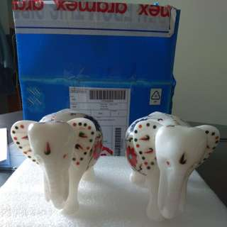 A pair of marble elephants to sell