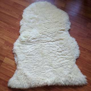 IKEA White/Cream Coloured Sheepskin Rug Super Soft!