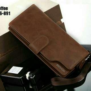New Arrival !! 👝 BOAIS UNISEX WALLET #1166-891 IDR 200.000  Kualitas: Semi Premium Ukuran: 10x3x20cm Bahan: Smooth Leather Variant: Black, Brown, Coffee Berat: 200 gram  Top Selling Wallet 👍 Pria dan Wanita bisa pakai 👍