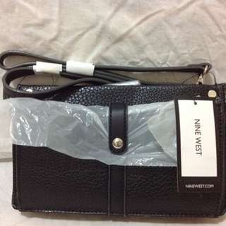 Nine West Pocket Sling/Wallet