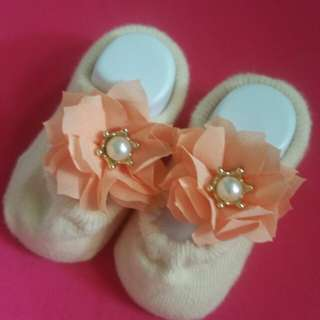 mollie&mommy 80 for 3 pairs champagne newborn socks