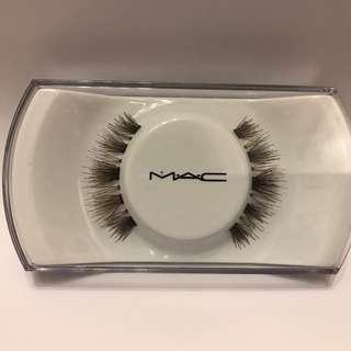M.A.C 假睫毛