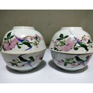 Old Liling underglaze hand-painted 40's - 60's flowers and birds bowl, painted colorful of flowers and birds lively and vivid, the new old stock has not been used. 民国时期醴陵釉下彩花鸟碗,是20世纪40 - 60年代的手绘花鸟碗,绘画花鸟色彩艳丽、形象生动活泼, 全新旧库存未曾使用过 。