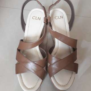 CLN US size 8 Chocolate Wedge