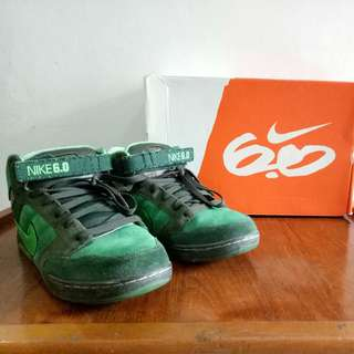 Limited edition Nike Air Mogan Mid 6.0 (Tidak masuk Indonesia)