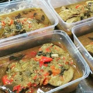 Ayam & Ikan Woku Khas Manado (Halal)