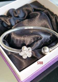 Women's Jewelry and accessories