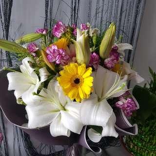 Premium Lily bouquet