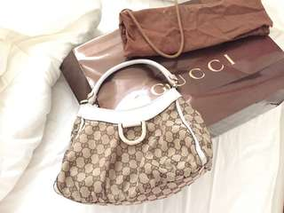 Authentic Gucci Signature Handbag