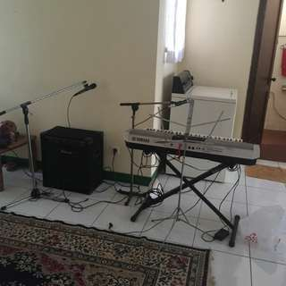 Keyboard Yamaha S910 & Amplifier Blazer