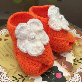 1 pair Cute Crocheted Baby Shoes Booties Orange Peep Toe for Newborn To 6 months
