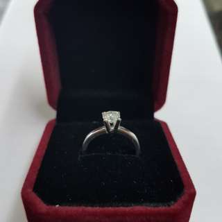 Engagement ring 80pts (14k)